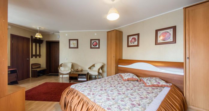 Квартира Итальянская студия посуточно в Екатеринбурге