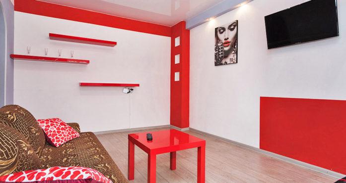Яркая квартира на Шейкмана посуточно в Екатеринбурге