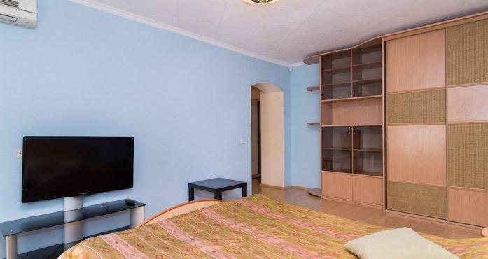Уютная однушка на Луначарского посуточно в Екатеринбурге
