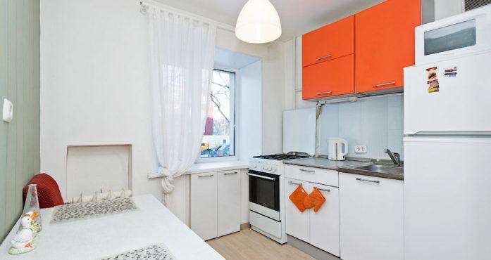 Яркая квартира стандарт класса посуточно в Екатеринбурге